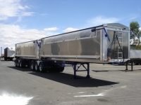 AGGELETOS 2 X A TRAILERS(2012) 004.jpg