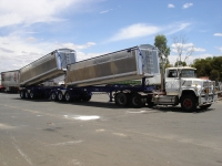 AGGELETOS 2 X A TRAILERS(2012) 013.jpg